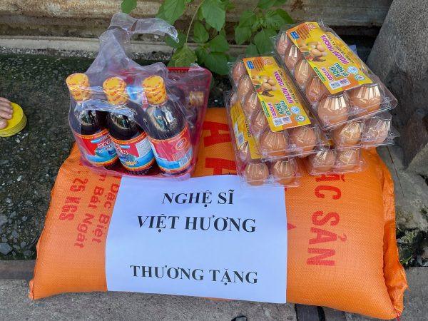 Bị mỉa mai giả tạo vì khoe ảnh làm từ thiện, Việt Hương thách thức antifan bằng một điều kiện đặc biệt này