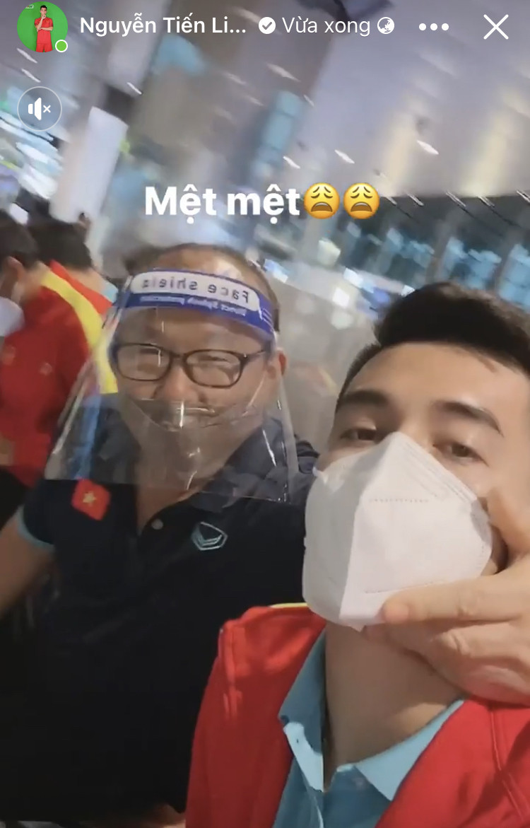 Đội tuyển Việt Nam đã tới Qatar chuẩn bị vòng loại World Cup 2022, bất ngờ hình ảnh thủ môn Đặng Văn Lâm hội quân