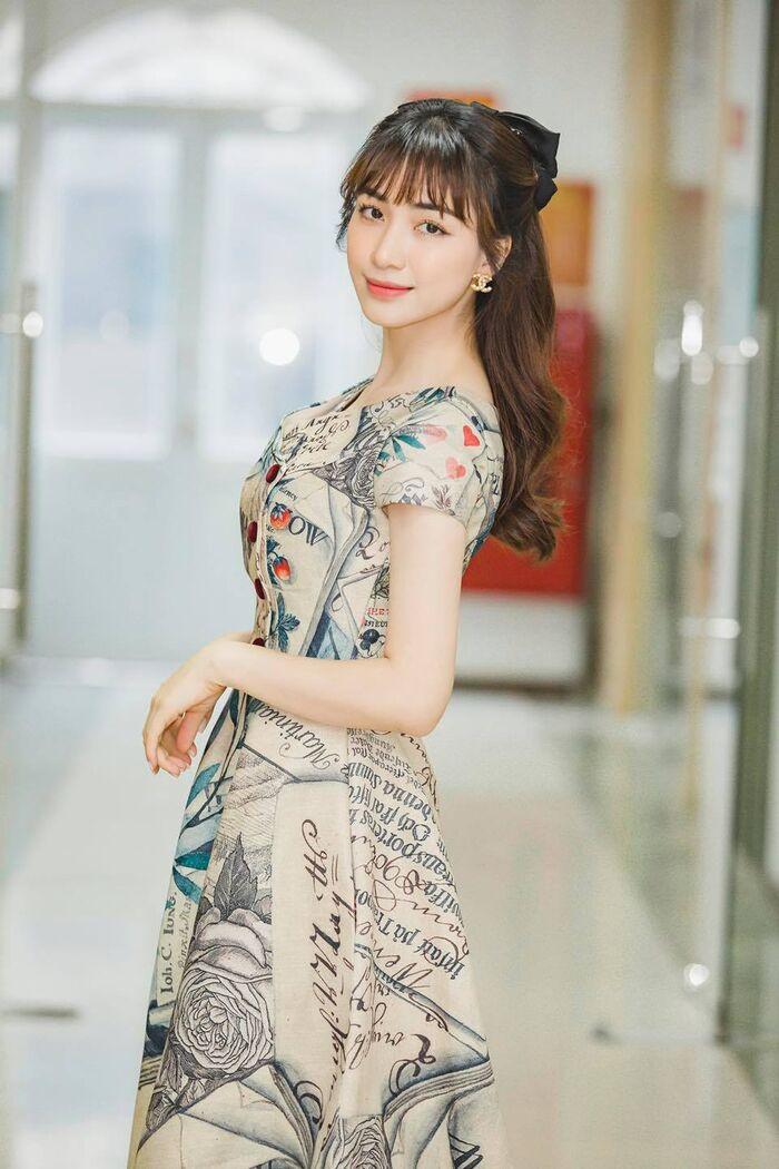 Bị netizen chỉ điểm hàng loạt điều nguy hiểm trong nhà với trẻ nhỏ, Hoà Minzy phải lên tiếng giải thích ngay và luôn!