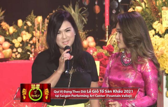 Ca sĩ Phương Loan thay cố nghệ sĩ Chí Tài làm điều đặc biệt trong ngày Giỗ tổ sân khấu ở Mỹ
