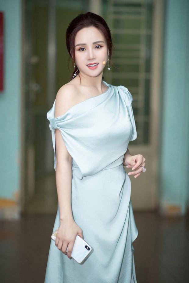 Vy Oanh khẳng định con mình có quốc tịch Mỹ, đang làm đúng trình tự các bước khởi kiện nữ CEO Đại Nam